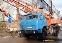 На базе МАЗ 5334 завод выпускал огромное количество модификаций